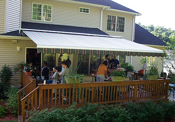 Qualit Retractable Awnings Y Deck